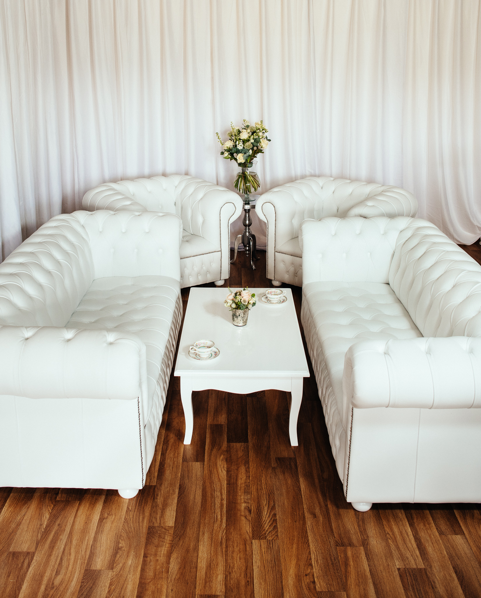 Luxury British Made White Leather Chesterfield Sofa Set